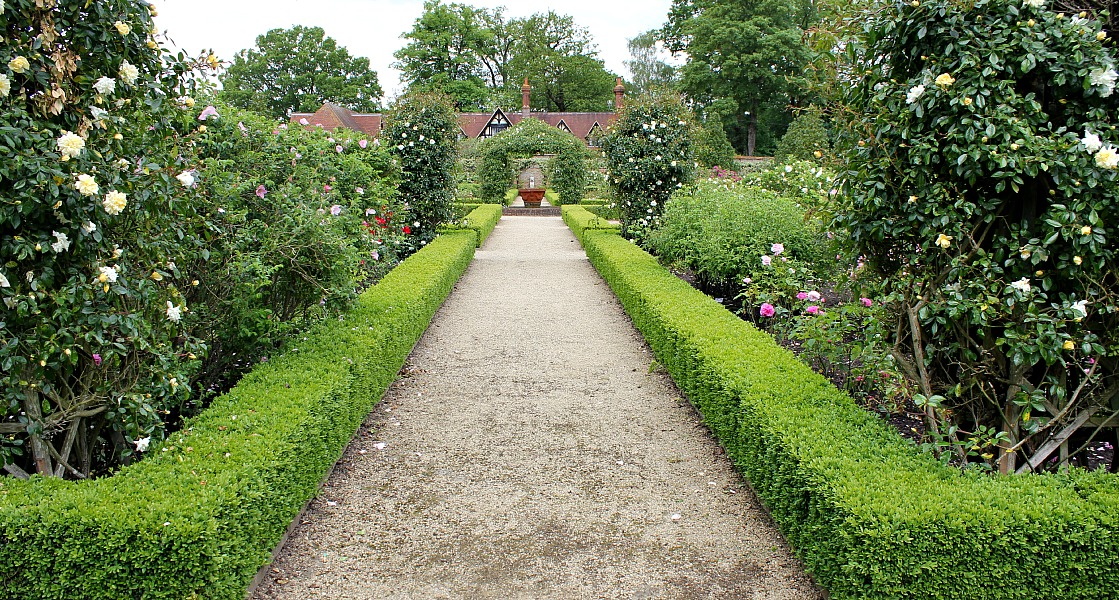 Podcast the gardens at loseley park for Garden design podcast